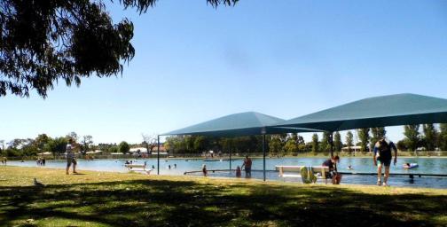 Millicent Swimming Lake 023
